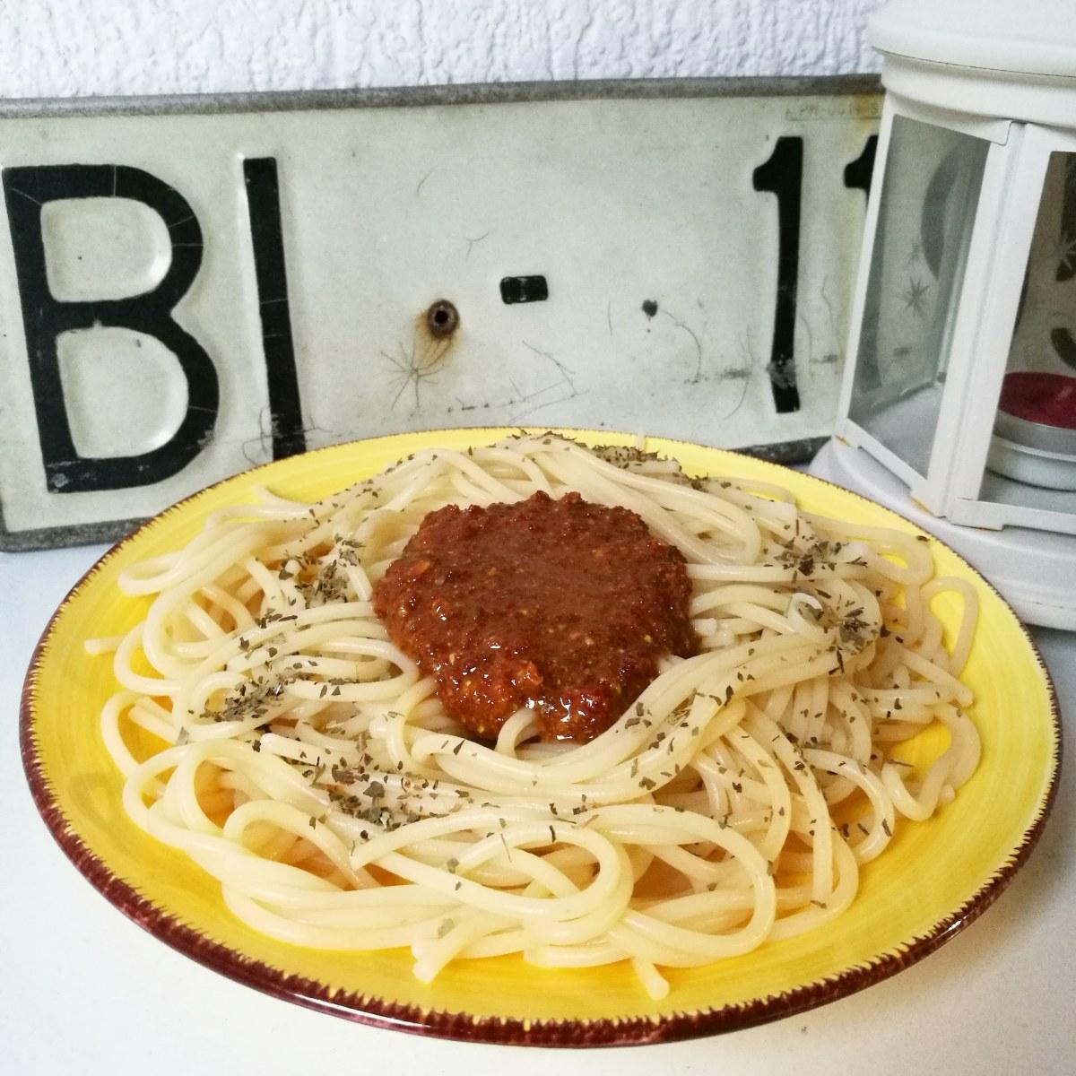 Pasta con pesto rojo